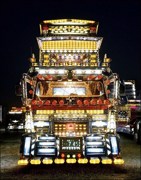 Dekotora...Japanese mad custom truck modding08