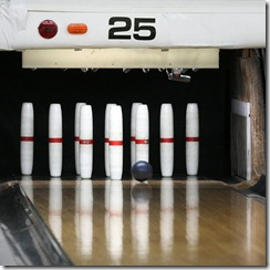 600px-Candlepin-bowling-usa-lane25-rs