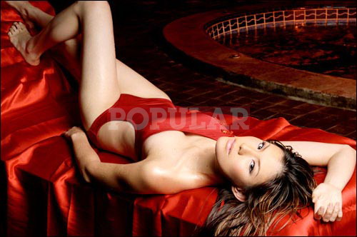 olga-lidya-onepiece.swimsuit-merah (1).jpg