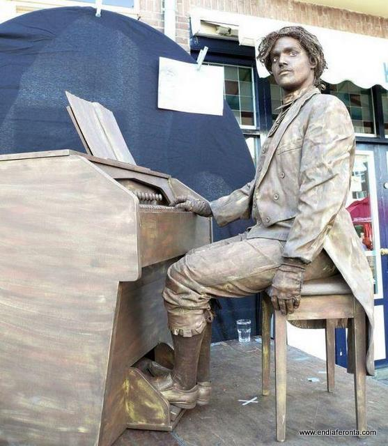 living-statues-around-the-world24.jpg