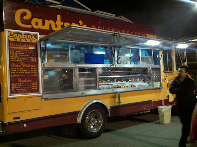 Piaggio Food Truck on Looking For An La Or Oc Gourmet Food Truck  Are You   2010 11 28