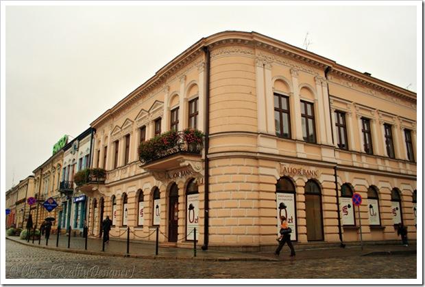 Nowy Sącz, Budynek na zbiegu ul. M. Szymanowskiego, Kazimierza Wielkiego i Rynku
