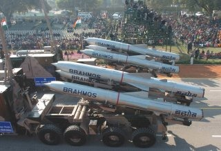 20110312-Brahmos-Supersonic-Cruise-Missile-Wallpaper-04-TN