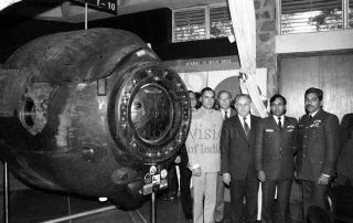 Indian Cosmonaut Squadron Leader Rakesh Sharma with the Soyuz T-11 capsule