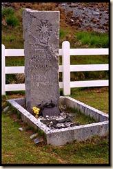 south-georgia-grytviken-shackleton-grave-front-2-89_3