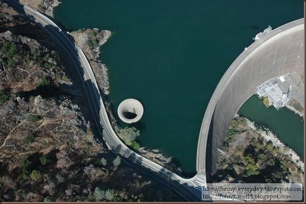 giant-plughole-monticello-dam