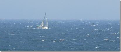 velero con fuerte viento