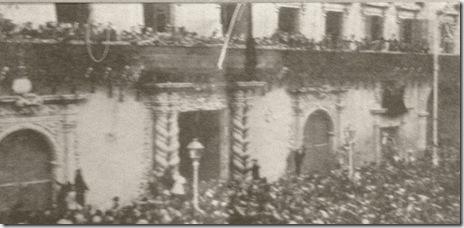 recibimiento en Alicante, balcones del Ayuntamiento