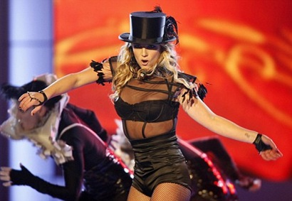 Britney Spears Womanizer Live At German Bambi Awards 2008 photo