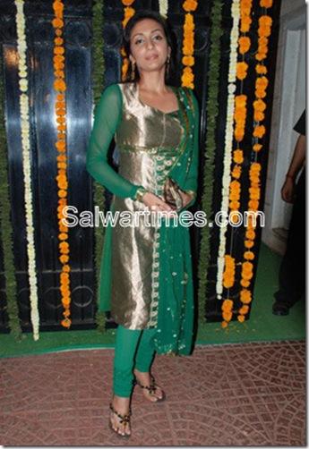 Swetha Salve_Green_Designer_Salwar_Kameez