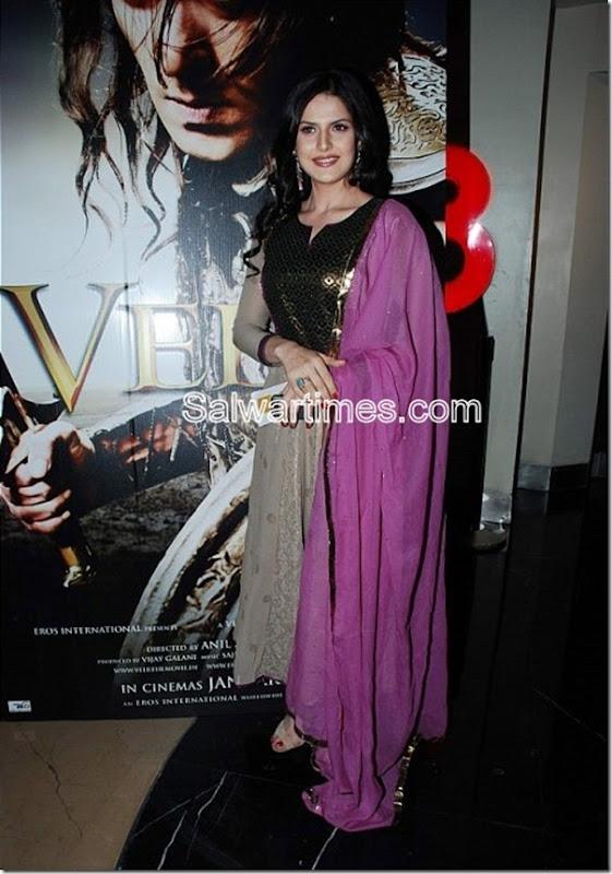 Zarine Khan_Designer_salwar_Kameez (1)