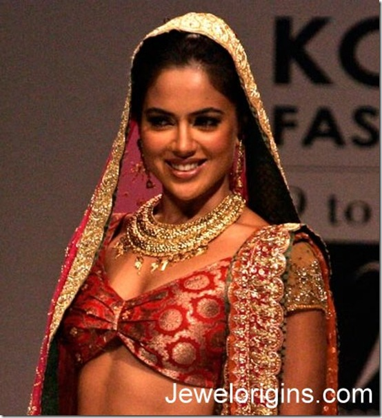 Sameera_Reddy_Antique_jewellery