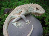 simone lyon lizard