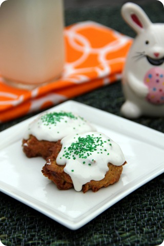 Carrot Cake Cookies w Frosting