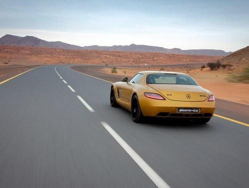 "Mercedes will show in Dubai ""gold"" SLS AMG"