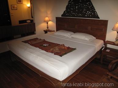 Royal Lanta Hotel Room