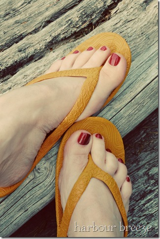chick flick toes