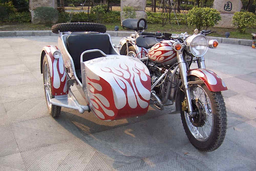 youtube burman 650 con sidecar