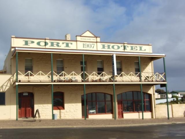 Hopetoun pub