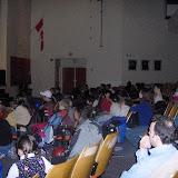 platéia canadense atenta a pregação de PatATI e Patata.JPG