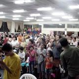 Multidão aplaude em pé a Palavra do Senhor.jpg