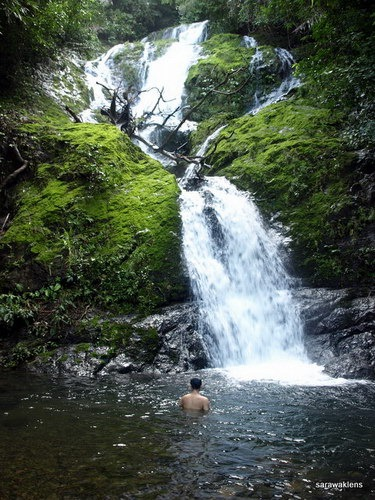 Visiting_a_waterfall_in_Sarawak_18