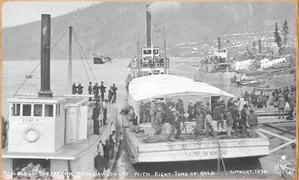 Steamboat C.W. BODONI departing from Dawson City, Yukon Territory, 1898.Eric Hegg (Imagen propiedad de C.B.)