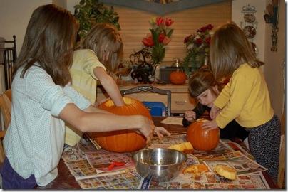 2009_1028_HalloweenPumpkins-4