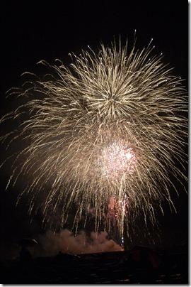 2010_0704_AFA-fireworks-112
