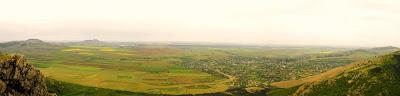 panorama, muntii Macin, varful Calcata
