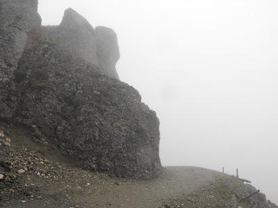 Bucegi in Septembrie - De la Babele la Varful Omu-Malaiesti-Diham. Ceata in munti