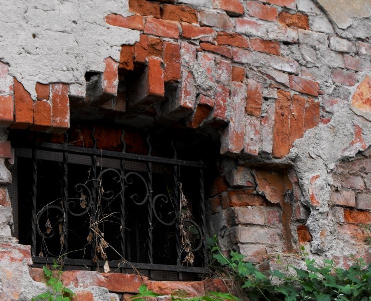 Cetatea Sighisoarei. Fereastra de demisol