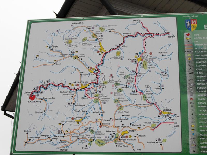 Harta turistica a Muntilor Trascaului. Panou din satul Salciua