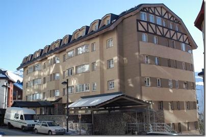 Hostal y apartamentos el duende blanco sierra nevada - El duende blanco ...