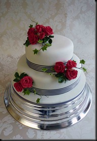 2-tier-Rose-and-stripy-ribbon-cake