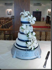 4-Tier-Lillies-and-Rose-blue2