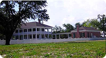 historic-grass-lawn-house