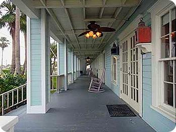 hotel-porch
