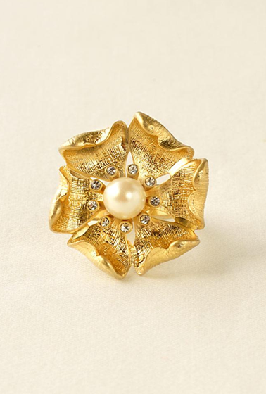 fall charlotte pearl ring