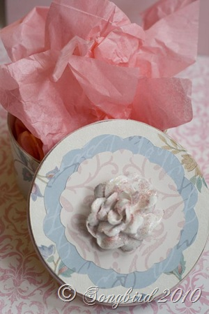 Rose box pink tissue