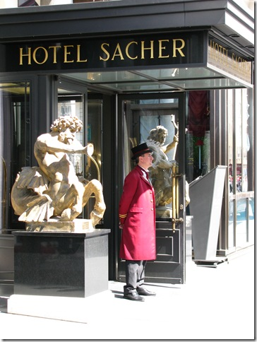 sacher3