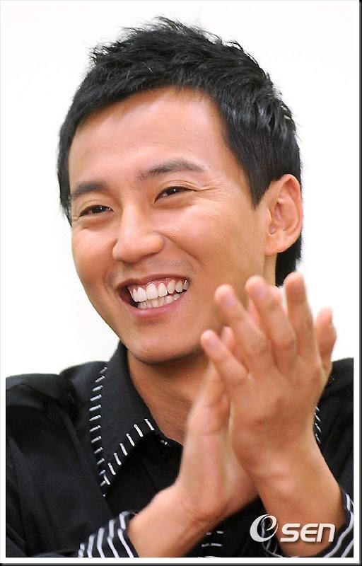 KimNamGil-FC.com Award form Mongolian Goverment (13)