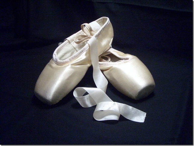 Pointe_shoes