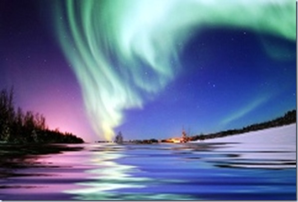 picture the northern lights arctic circle