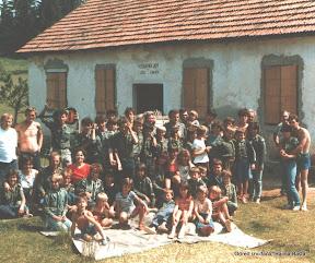 Zajednicki snimak sa izvidjacima iz Mirkovaca-Vinkovci 1985.jpg