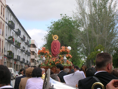 Procesión de San Gregorio por el paseo Marcos Redondo, el 9 de mayo de 2008. Foto: Emilio Guijo