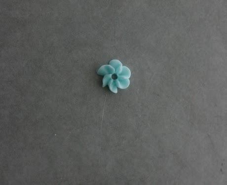 drop flower center close up.jpg