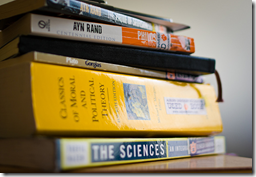 summer reading by Robert S. Donovan on Flickr. Lisens: CC-ny