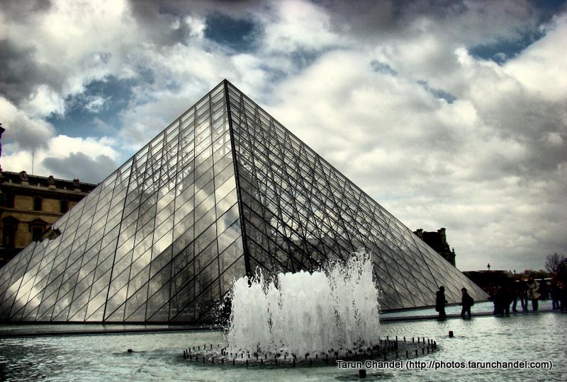 Louvre Museum Paris France Pyramid Fountain, Tarun Chandel Photoblog