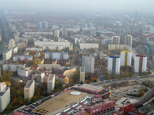 ☭ LA HUELLA SOCIALISTA SOVIETICA EN BERLIN ALEMANIA ☭ 047%20-%20M%C3%A1s%20Manzanas%20Socialistas%20desde%20Fernsehturm